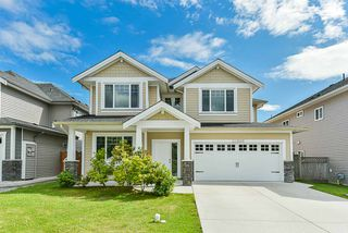 Photo 1: 32996 EGGLESTONE Avenue in Mission: Mission BC House for sale : MLS®# R2474927