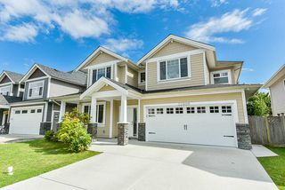 Photo 2: 32996 EGGLESTONE Avenue in Mission: Mission BC House for sale : MLS®# R2474927