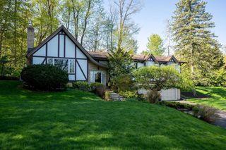 Photo 2: 14 Mullen Place in Halton Hills: Glen Williams House (Bungalow-Raised) for sale : MLS®# W4843358
