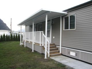 Photo 11: 12 62780 FLOOD HOPE Road in Hope: Hope Center Manufactured Home for sale : MLS®# R2492306