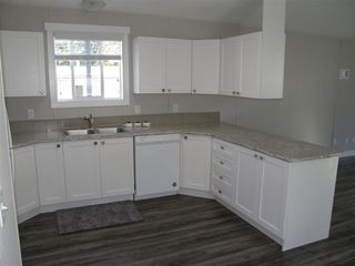 Photo 3: 12 62780 FLOOD HOPE Road in Hope: Hope Center Manufactured Home for sale : MLS®# R2492306