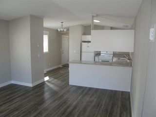 Photo 4: 12 62780 FLOOD HOPE Road in Hope: Hope Center Manufactured Home for sale : MLS®# R2492306