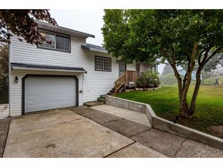 Photo 2: 3211 MCKINLEY Drive in Abbotsford: Abbotsford East House for sale : MLS®# R2498286