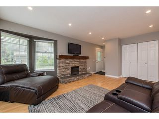 Photo 5: 3211 MCKINLEY Drive in Abbotsford: Abbotsford East House for sale : MLS®# R2498286