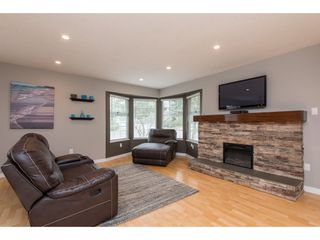 Photo 4: 3211 MCKINLEY Drive in Abbotsford: Abbotsford East House for sale : MLS®# R2498286