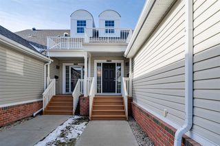 Photo 5: 4338 VETERANS Way in Edmonton: Zone 27 Townhouse for sale : MLS®# E4219331