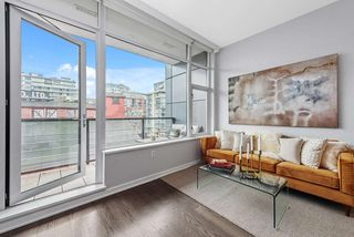 """Photo 3: 509 123 W 1ST Avenue in Vancouver: False Creek Condo for sale in """"COMPASS"""" (Vancouver West)  : MLS®# R2527848"""