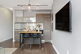 """Photo 10: 509 123 W 1ST Avenue in Vancouver: False Creek Condo for sale in """"COMPASS"""" (Vancouver West)  : MLS®# R2527848"""