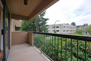 "Photo 9: 204-1450 Laburnum St in Vancouver: Kitsilano Condo for sale in ""KITSILANO POINT"" (Vancouver West)  : MLS®# V908921"