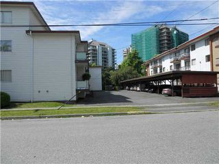 Photo 4: 4241 MAYWOOD ST in BURNABY: Metrotown Home for sale (Burnaby South)  : MLS®# V4027930