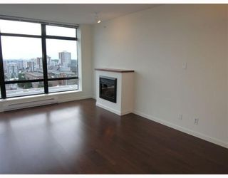 """Photo 4: 1403 610 Victoria Street in New_Westminster: Downtown NW Condo for sale in """"""""THE POINT"""""""" (New Westminster)  : MLS®# V662959"""