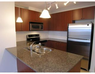 """Photo 5: 1403 610 Victoria Street in New_Westminster: Downtown NW Condo for sale in """"""""THE POINT"""""""" (New Westminster)  : MLS®# V662959"""