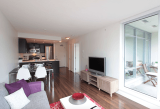 Photo 3:  in Vancouver: Condo for sale (Vancouver East)  : MLS®# R2372007