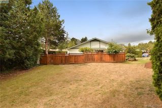 Photo 15: 1 4140 Interurban Road in VICTORIA: SW Strawberry Vale Row/Townhouse for sale (Saanich West)  : MLS®# 415705
