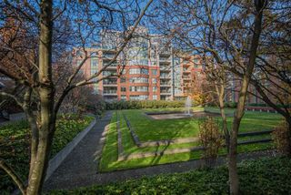 "Main Photo: 411 518 W 14TH Avenue in Vancouver: Fairview VW Condo for sale in ""PACIFICA"" (Vancouver West)  : MLS®# R2433305"