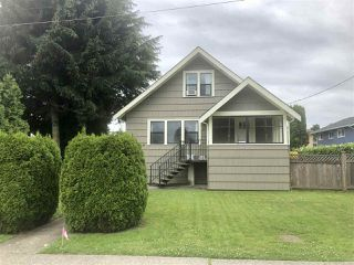 Photo 3: 734 TENTH Street in New Westminster: Moody Park House for sale : MLS®# R2475321