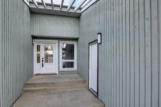 Photo 4: 25 STIRLING Road in Edmonton: Zone 27 House for sale : MLS®# E4215828