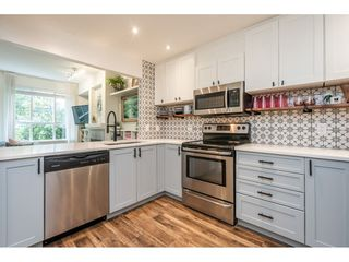 """Photo 4: 123 9979 140 Street in Surrey: Whalley Townhouse for sale in """"Sherwood Green"""" (North Surrey)  : MLS®# R2528699"""
