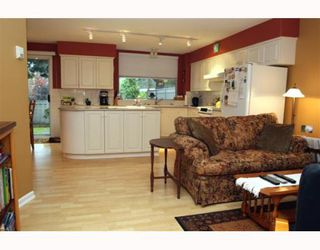 """Photo 6: 29 1100 56TH Street in Tsawwassen: Tsawwassen East Townhouse for sale in """"ROYAL OAKS"""" : MLS®# V794541"""