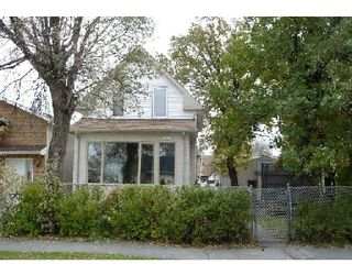 Photo 1: 375 PARKVIEW ST in WINNIPEG: St James Residential for sale (West Winnipeg)  : MLS®# 2919832