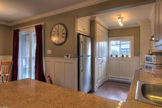 Photo 8: 643 Christleton Avenue in Kelowna: Other for sale : MLS®# 10025081