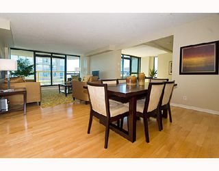 "Photo 3: 3202 1331 ALBERNI Street in Vancouver: West End VW Condo for sale in ""THE LIONS"" (Vancouver West)  : MLS®# V660192"