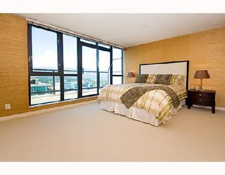 "Photo 5: 3202 1331 ALBERNI Street in Vancouver: West End VW Condo for sale in ""THE LIONS"" (Vancouver West)  : MLS®# V660192"
