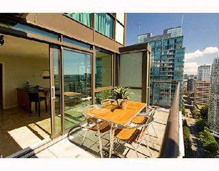 "Photo 8: 3202 1331 ALBERNI Street in Vancouver: West End VW Condo for sale in ""THE LIONS"" (Vancouver West)  : MLS®# V660192"