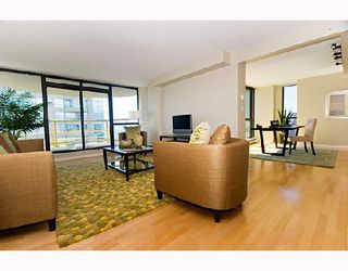 "Photo 2: 3202 1331 ALBERNI Street in Vancouver: West End VW Condo for sale in ""THE LIONS"" (Vancouver West)  : MLS®# V660192"