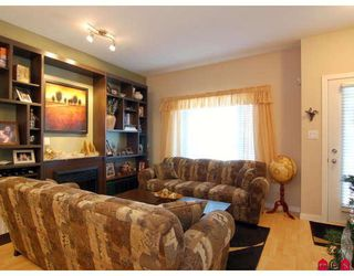 """Photo 5: 151 18701 66TH Avenue in Surrey: Cloverdale BC Townhouse for sale in """"THE ENCORE AT HILLCREST"""" (Cloverdale)  : MLS®# F2730547"""