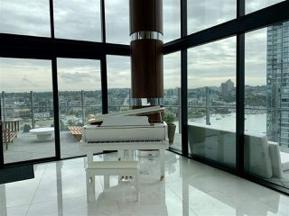 """Photo 15: 1602 89 NELSON Street in Vancouver: Yaletown Condo for sale in """"The ARC"""" (Vancouver West)  : MLS®# R2415303"""