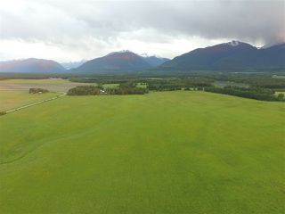 Photo 2: 3205 CRESCENT LAKE Road in McBride: McBride - Rural West House for sale (Robson Valley (Zone 81))  : MLS®# R2480685