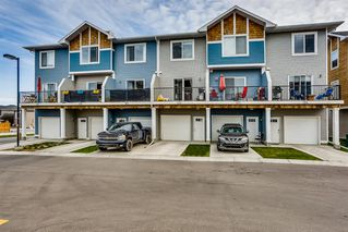 Photo 3: 122 2802 Kings Heights Gate SE: Airdrie Row/Townhouse for sale : MLS®# A1041421