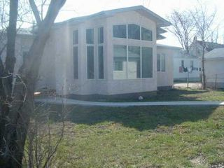 Photo 2: 300 CHALFONT Road in WINNIPEG: Murray Park Single Family Detached for sale (South Winnipeg)  : MLS®# 2706502