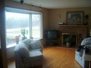 Photo 6: 300 CHALFONT Road in WINNIPEG: Murray Park Single Family Detached for sale (South Winnipeg)  : MLS®# 2706502