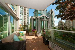 "Photo 15: 901 565 SMITHE Street in Vancouver: Downtown VW Condo for sale in ""VITA"" (Vancouver West)  : MLS®# R2389668"
