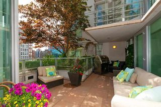 "Photo 4: 901 565 SMITHE Street in Vancouver: Downtown VW Condo for sale in ""VITA"" (Vancouver West)  : MLS®# R2389668"