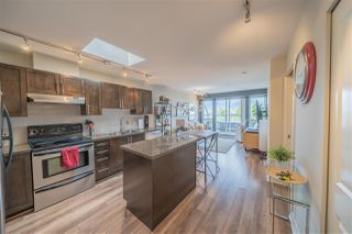 Main Photo: 404 2008 BAYSWATER Street in Vancouver: Kitsilano Condo for sale (Vancouver West)  : MLS®# R2398208