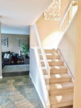 Photo 2: 5209 39B Avenue in Edmonton: Zone 29 House for sale : MLS®# E4172244