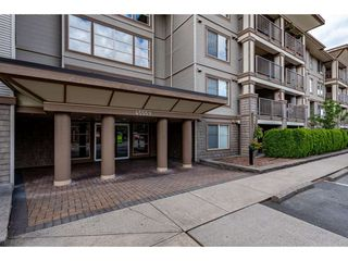 "Photo 2: 403 45559 YALE Road in Chilliwack: Chilliwack W Young-Well Condo for sale in ""THE VIBE"" : MLS®# R2463335"