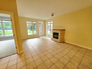 Photo 11: 7107 14 HEMLOCK Crescent SW in Calgary: Spruce Cliff Apartment for sale : MLS®# C4302638