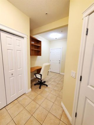 Photo 5: 7107 14 HEMLOCK Crescent SW in Calgary: Spruce Cliff Apartment for sale : MLS®# C4302638