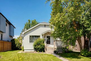 Photo 2: 824 19 Avenue NW in Calgary: Mount Pleasant Detached for sale : MLS®# A1009057