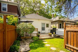 Photo 22: 527 Walker Avenue in Winnipeg: Lord Roberts Residential for sale (1Aw)  : MLS®# 202017350