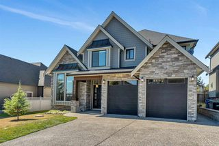 Photo 1: 2099 RIESLING Drive in Abbotsford: Aberdeen House for sale : MLS®# R2497353