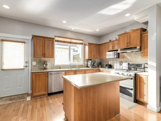 """Photo 6: 15170 61A Avenue in Surrey: Sullivan Station House for sale in """"OLIVER'S LANE"""" : MLS®# R2519450"""