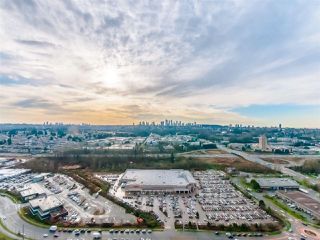 """Photo 1: 3501 2311 BETA Avenue in Burnaby: Brentwood Park Condo for sale in """"LUMINA WATERFALL"""" (Burnaby North)  : MLS®# R2524920"""