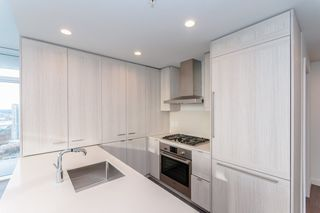 """Photo 7: 3501 2311 BETA Avenue in Burnaby: Brentwood Park Condo for sale in """"LUMINA WATERFALL"""" (Burnaby North)  : MLS®# R2524920"""