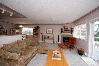 Photo 8: 1282 Geric Pl in Victoria: Residential for sale : MLS®# 269222