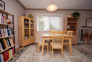 Photo 9: 1282 Geric Pl in Victoria: Residential for sale : MLS®# 269222